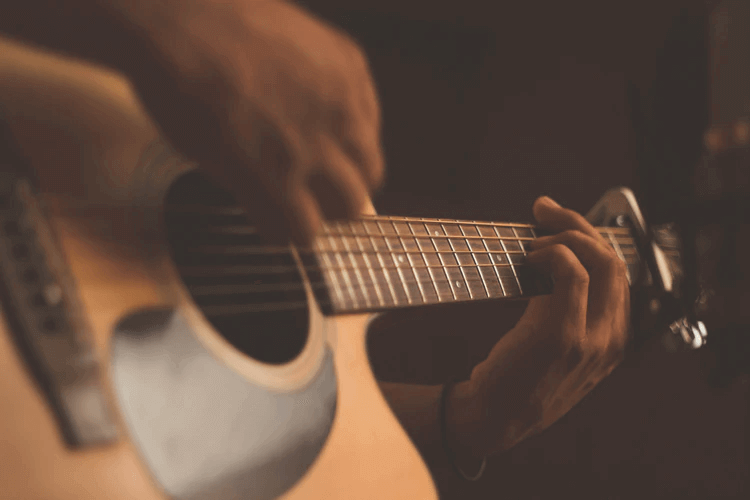 How to Learn to Play Guitar Without Breaking the Bank